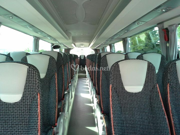 Interior autobus de 55 plazas