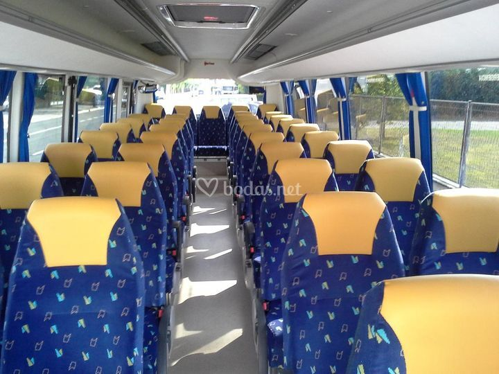 Interior microbus de 37 plazas