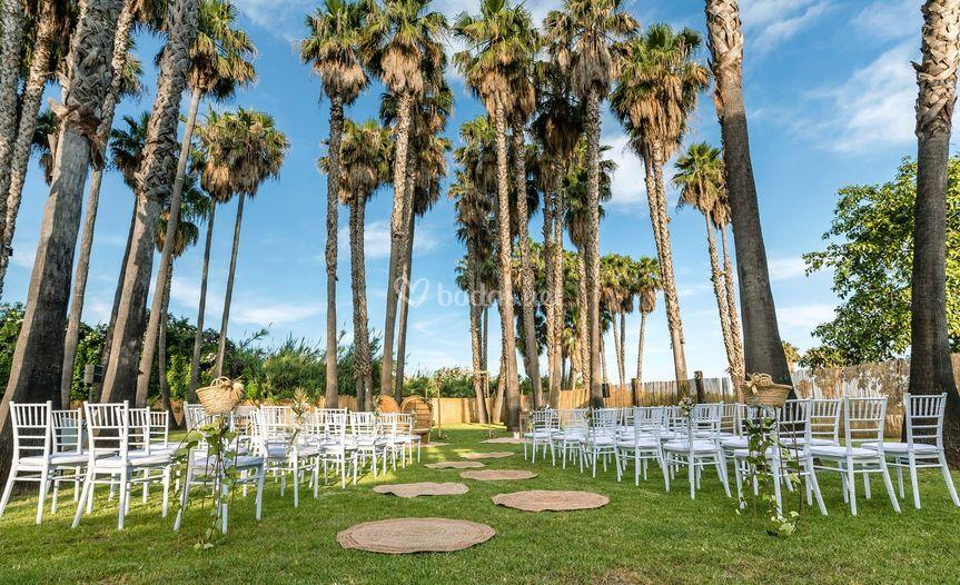 Ceremonia civil en zona jardín