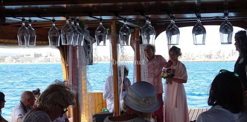 Ceremonia en la cubierta principal