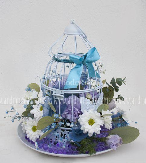 Jaulita con flores en azul