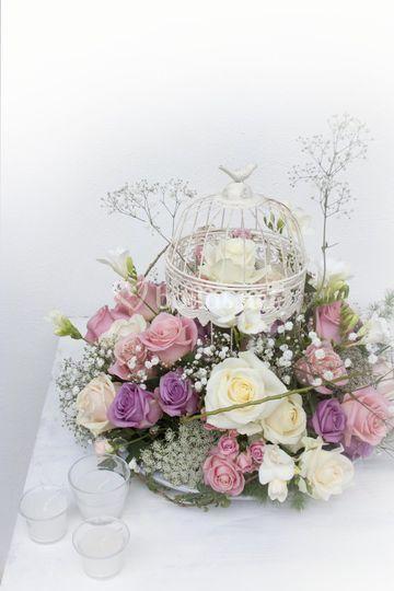 Espectacular jaula con rosas
