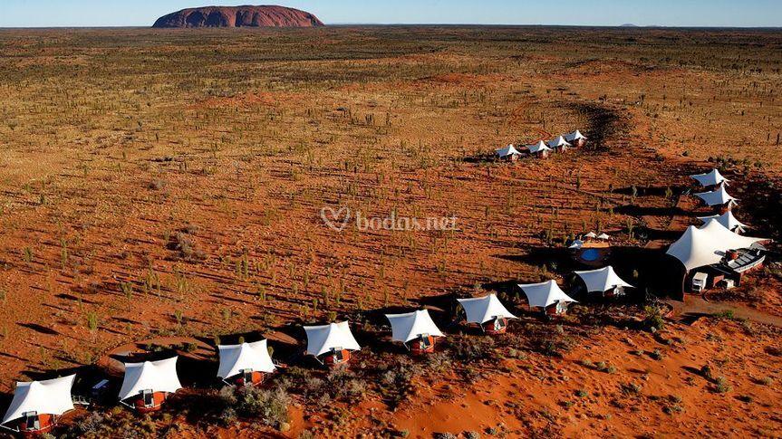 Vista aérea de tienda en el desierto