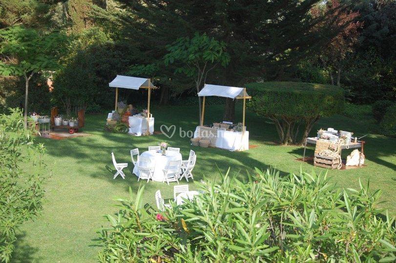 Masia egara for Decoracion jardin rural