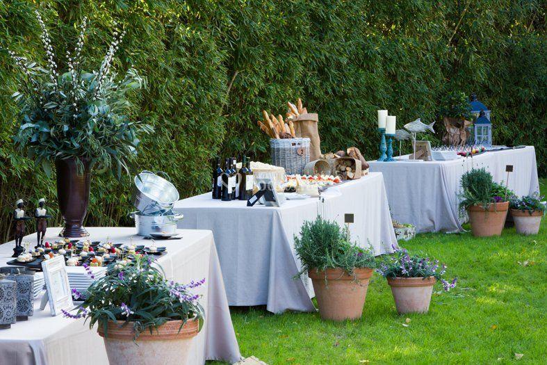 Buffets en el jardín