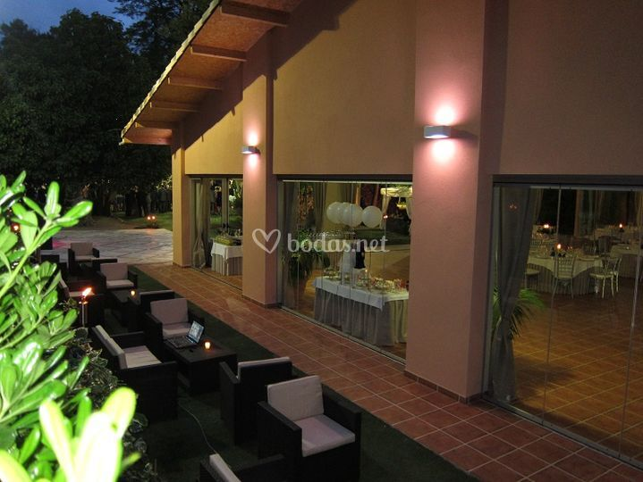 Villa delia grupo ncora for Salon jardin villa charra toluca