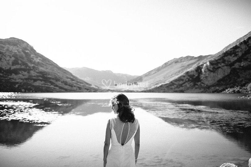 Delante del lago