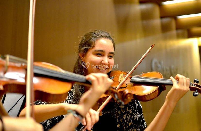 Laia, violín