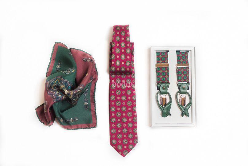 Tirantes, corbatas, pañuelos..