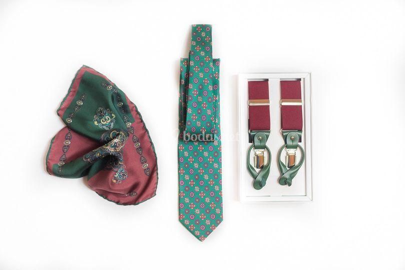 Tirantes, corbatas, pañuelos...
