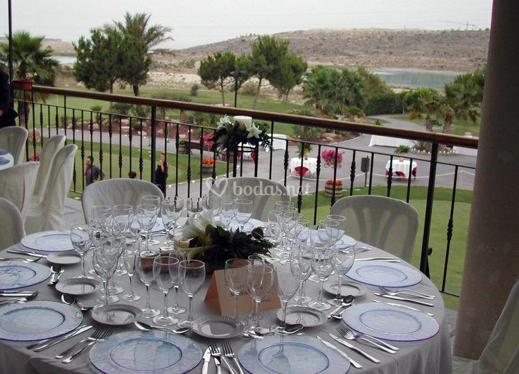 Montaje de mesa de boda
