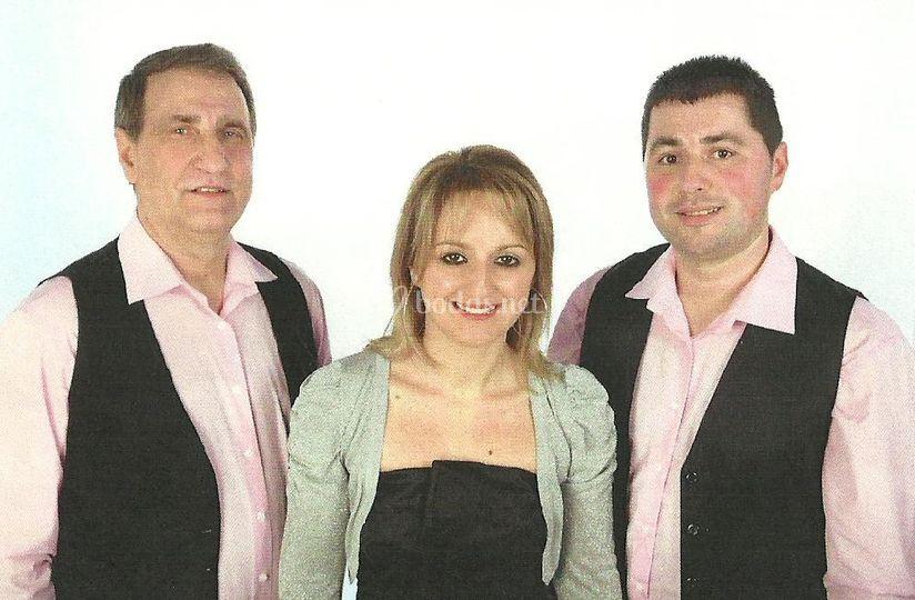 Vallibria en rosa. Manu, Karina y Eloi.