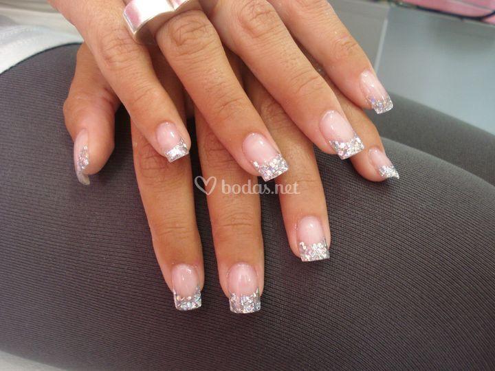 Uñas acrílico plata de Luxury Nails | Fotos