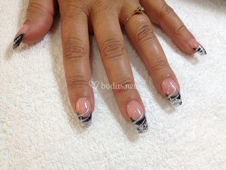 Uñas acrílico negro de Luxury Nails | Foto 19