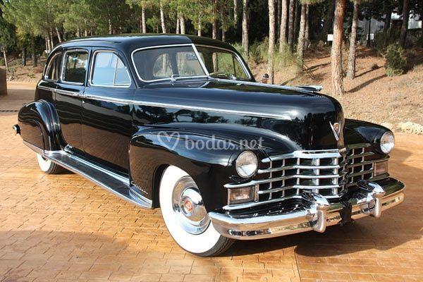 Cadillac deville sedan negro