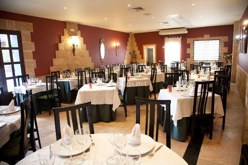 Restaurante servicio carta y menú