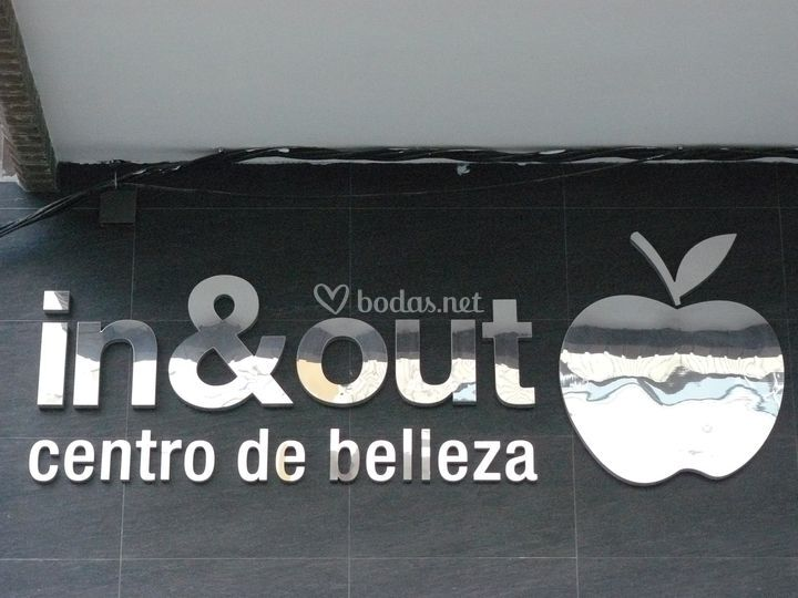 Fachada In & Out