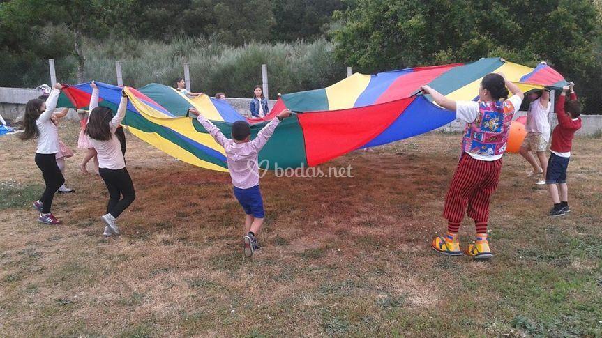 Animación con paracaídas