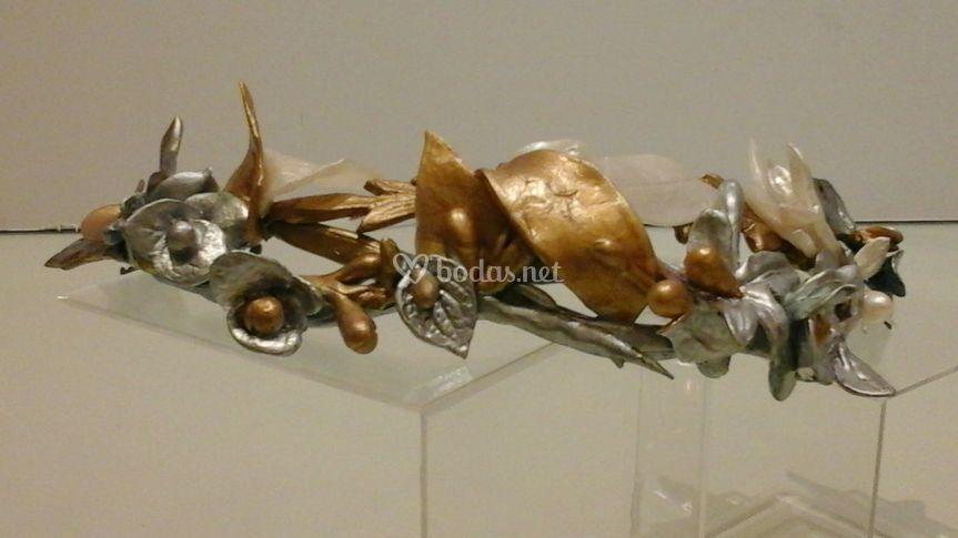 Tiara porcelana oro y plata