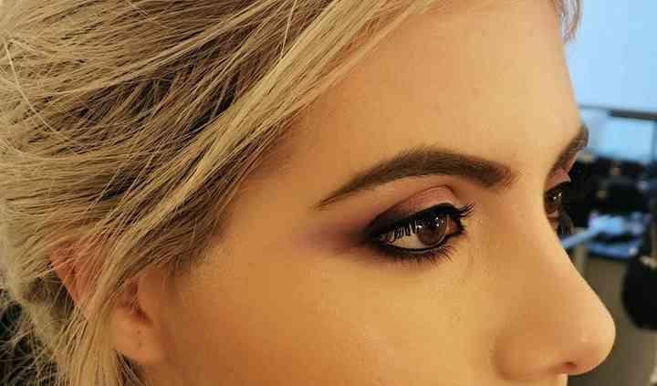 Maquillaje piramidal