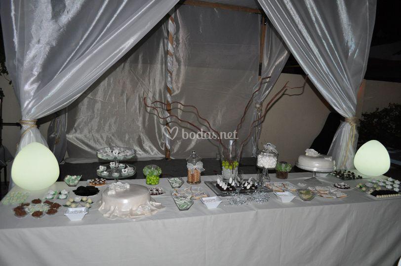 Mesa de dulces boda blanca