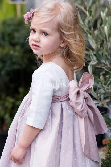Vestido de lino y tul