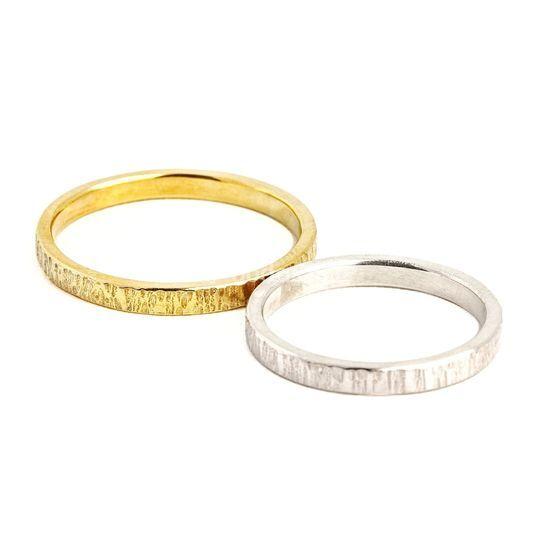 Alianza de oro y oro blanco