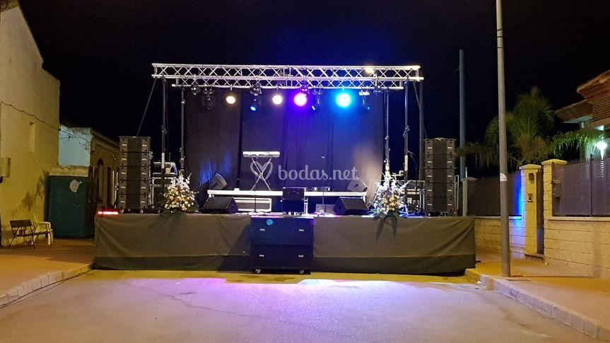 Equipo DJ exterior grande