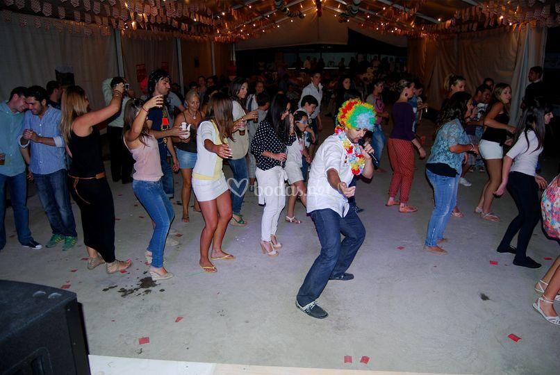 Animando la fiesta