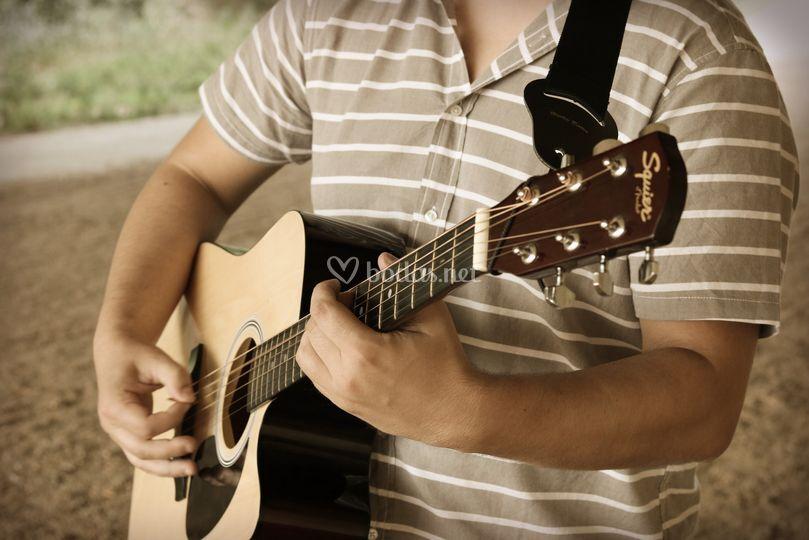 TJK, Carlos Lebre, Guitarra