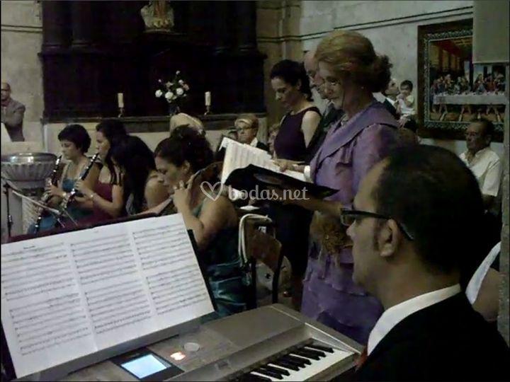 Órgano con otros instrumentos