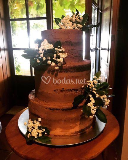 Naked cake con flor natural