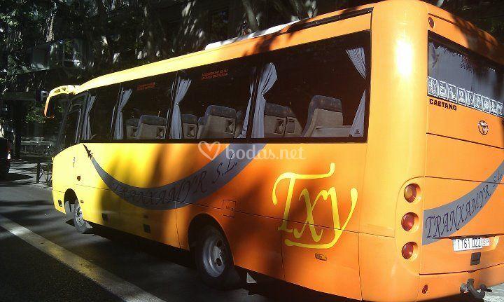 Autobuses medianos