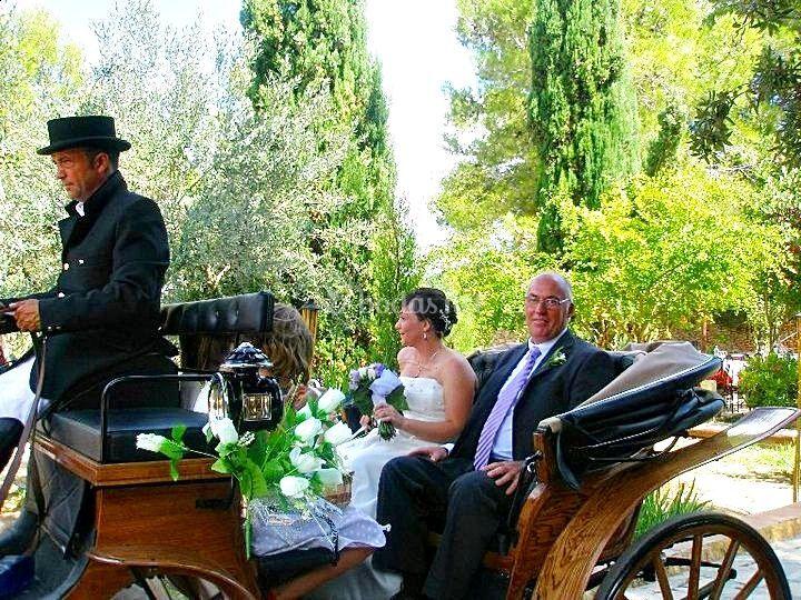 Entrada a la boda con carroza