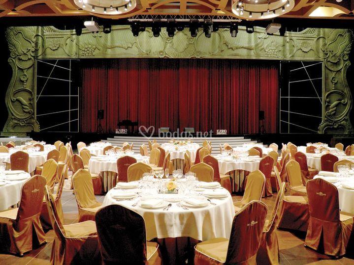 Salón con escenario
