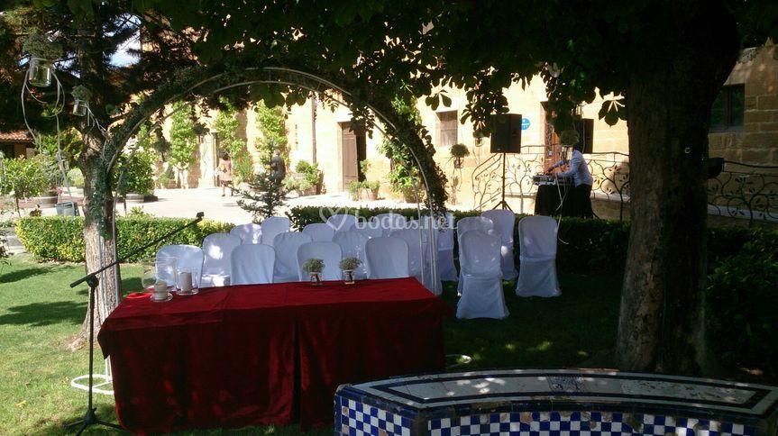 Ceremonia en el jardín