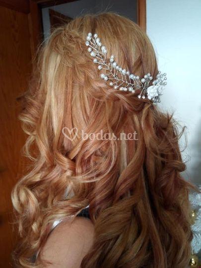 Peinado con tiara