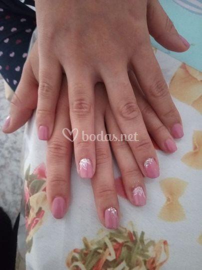 Uñas en tonos rosas