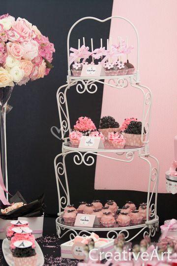 Torre de cupcakes, cakepops,..