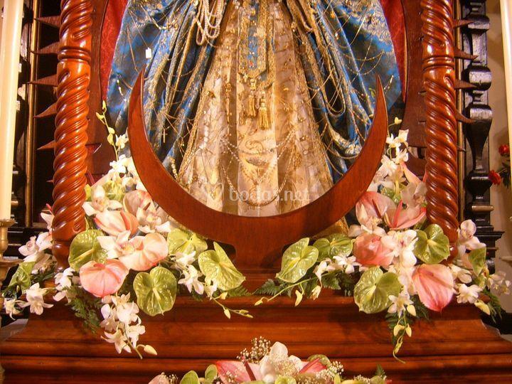 Decoración en el altar