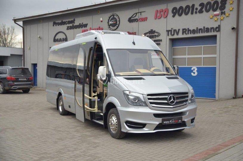 Alquliler minibus Madrid