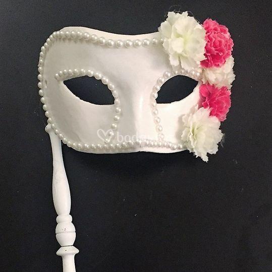 Mascara bodas con flores