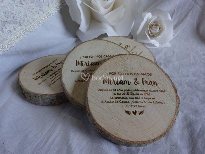Invitaciones de boda en madera