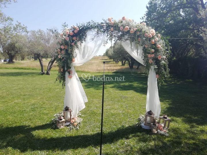 Arco de ceremonia exterior