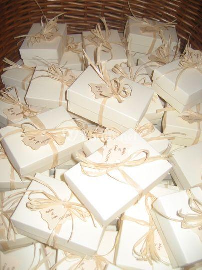 Cajas con hojaldres a petición de los novios