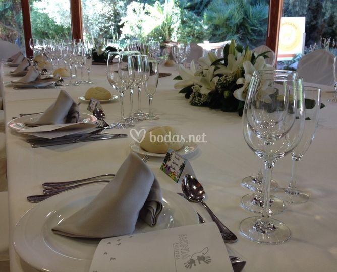 Detalle de la mesa El Madroño