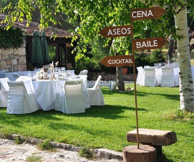 Mesas y restaurante