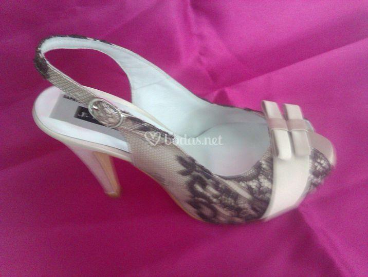 Fabricamos tus zapatos de boda