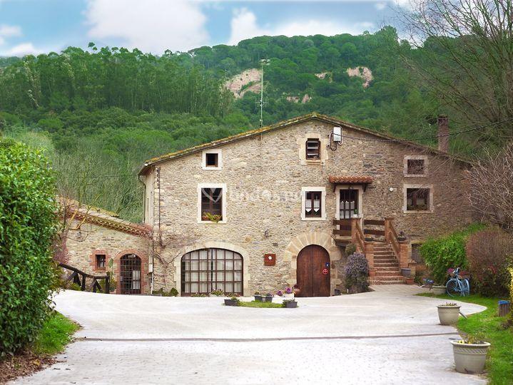 Exterior masia