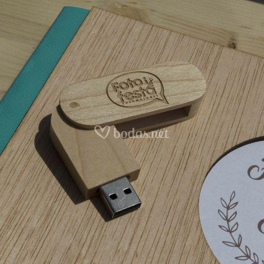 Pendrive de madera